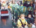 6 bambini in carrozzina